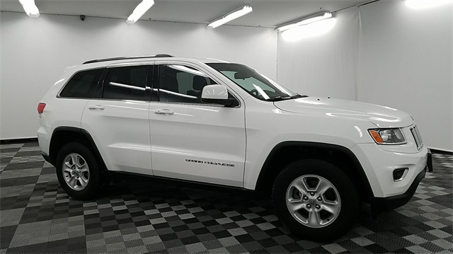 pre owned 2015 jeep grand cherokee laredo 4d sport utility in long island city m38038 major world. Black Bedroom Furniture Sets. Home Design Ideas