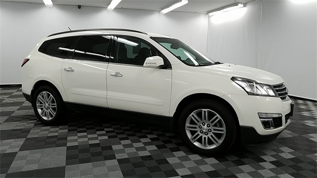 pre owned 2015 chevrolet traverse lt 4d sport utility in long island city 33375 major world. Black Bedroom Furniture Sets. Home Design Ideas