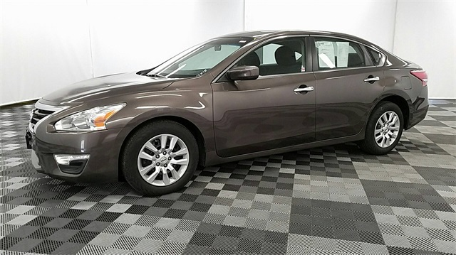 Pre Owned Nissan Altima Sedan In Long Island City