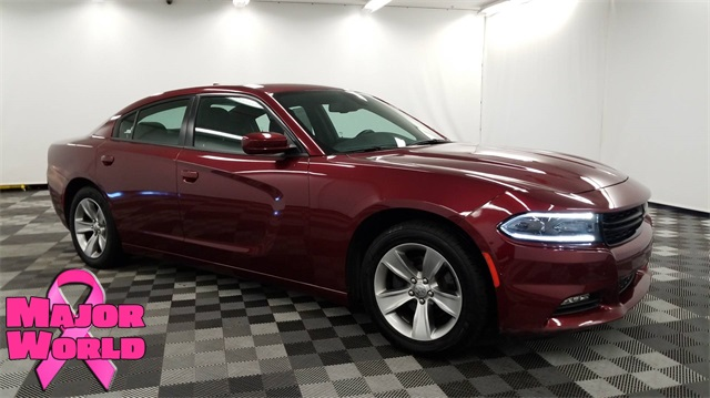 Pre Owned 2017 Dodge Charger Sxt 4d Sedan In Long Island City