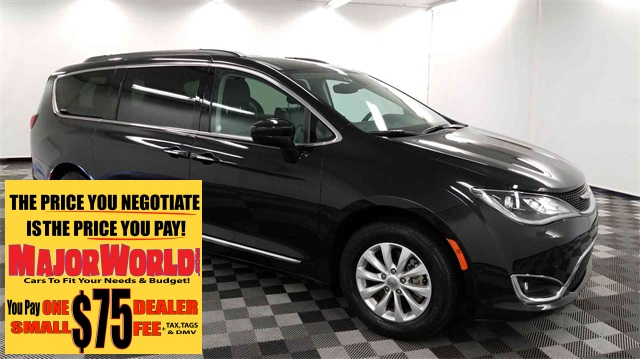 Pre Owned 2017 Chrysler Pacifica Touring L