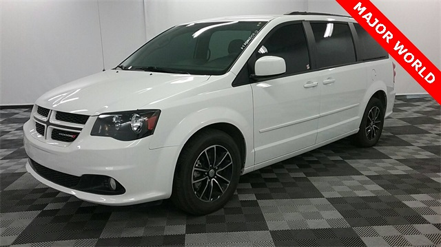 pre owned 2016 dodge grand caravan r t 4d passenger van in long island city 32119 major world. Black Bedroom Furniture Sets. Home Design Ideas