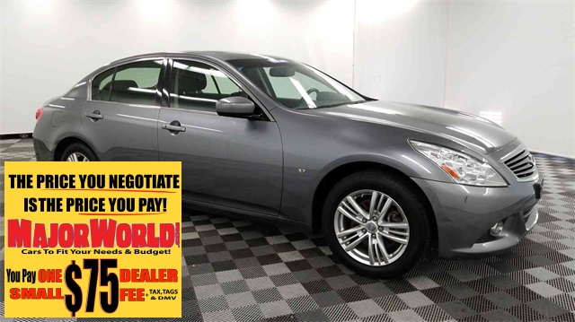 Pre-Owned 2015 INFINITI Q40 Base