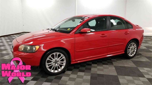 Pre-Owned 2004 Volvo S40 T5
